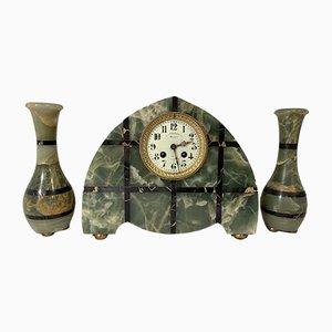 Antikes französisches Art Déco Set mit Uhr & Säulen aus Onyx