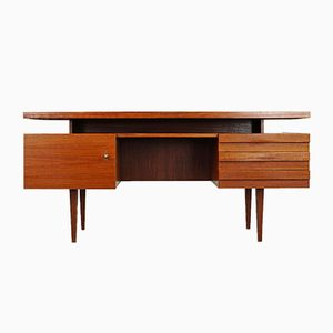 Deutscher Mid-Century Schreibtisch aus Holz, 1960er