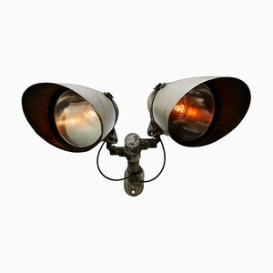 Graue industrielle Vintage Wandlampe aus Aluminium, Gusseisen & Klarglas