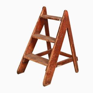 Escalera antigua de madera