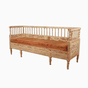 Sofá sueco antiguo de madera pintada