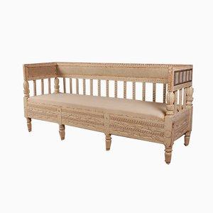 Antikes schwedisches Sofa aus lackiertem Pinienholz