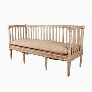 Antikes schwedisches Sofa aus lackiertem Kiefernholz