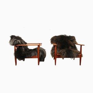 Dänische Sessel aus Teak & Lammfell, 1960er, 2er Set