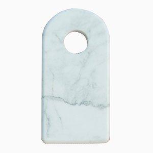 Tabla para cortar de mármol de Carrara con agujero de FiammettaV Home Collection