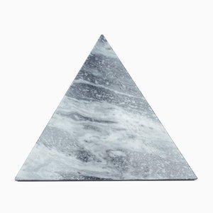 Dreieckiges Schneidebrett aus weißem Marmor von FiammettaV Home Collection
