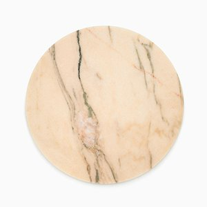 Tagliere da formaggi rotondo in marmo rosa di FiammettaV Home Collection