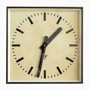 Reloj de estación industrial checoslovaco de Pragotron, años 70