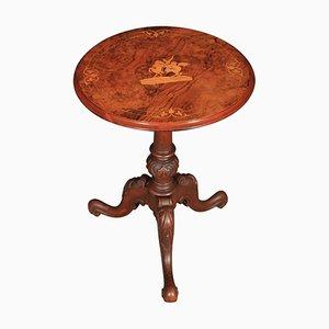 Tavolo rettangolare in radica di noce intagliata, fine XIX secolo