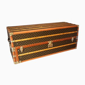 Large Art Deco French Wardrobe Trunk with Double Hanging Section by Louis Vuitton, 1930s