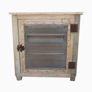 Antiker Schrank aus Metall & Holz
