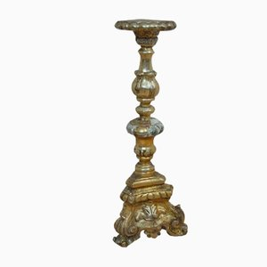 Antiker Kerzenhalter aus Holz