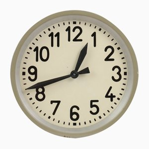 Reloj de pared industrial Mid-Century de Pragotron
