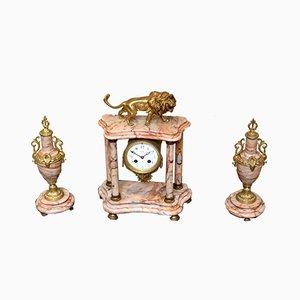 Reloj francés de latón y mármol Garniture