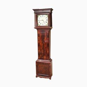 Antike Uhr aus Mahagonifurnier