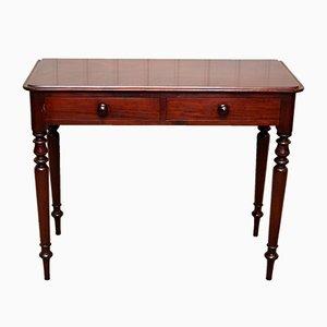 Mesa auxiliar antigua de caoba
