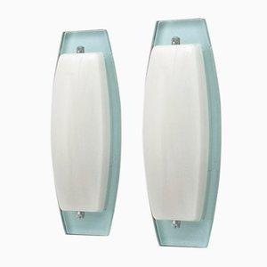Apliques italianos de vidrio opalino y aguamarina, años 70. Juego de 2