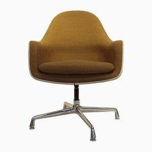 Drehstuhl mit Schale aus Fiberglas & Hopsack-Bezug von Charles & Ray Eames für Vitra, 1970er