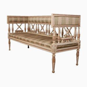 Sofá antiguo de madera, década de 1880