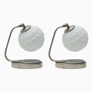 Lámparas de mesa Bauhaus de cromo y vidrio opalino, años 30. Juego de 2