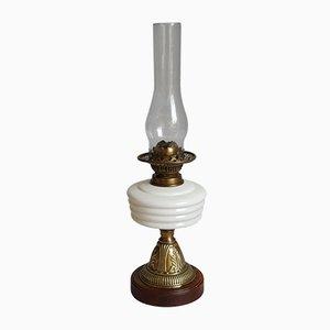Lámpara de mesa antigua de latón y vidrio opalino