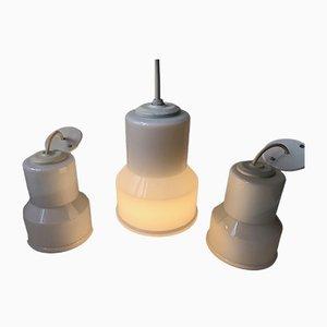 Lámparas colgantes danesas de vidrio opalino de Lyskær Belysning, años 70. Juego de 3
