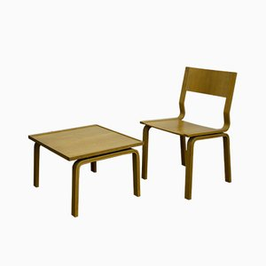 Sedia Saint Catherine College Mid-Century in legno con tavolino di Arne Jacobsen per Fritz Hansen, Danimarca