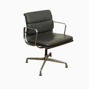 Silla de escritorio EA208 de aluminio y cuero de Charles & Ray Eames para Vitra, años 70
