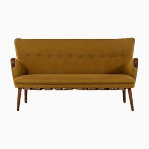 Modernes dänisches Sofa im skandinavischen Stil mit Gestell aus Eiche von Kurt Olsen, 1950er