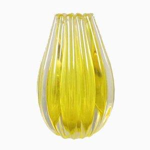 Jarrón amarillo de cristal de Murano estriado
