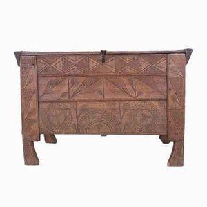 Antike handgefertigte Kiste aus Buche