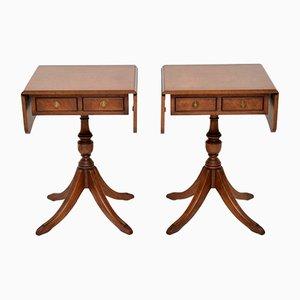 Mesas auxiliares vintage de nogal, años 30. Juego de 2