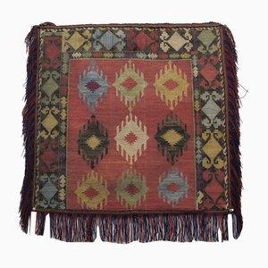 Cubierta antigua de seda bordada