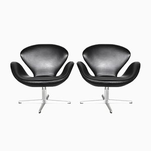 Danish Chrome Plating and Leather Lounge Chairs by Arne Jacobsen for Fritz Hansen, 1970s, Set of 2