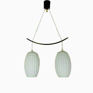 Lámpara colgante alemana Mid-Century de latón y vidrio lechoso, años 60