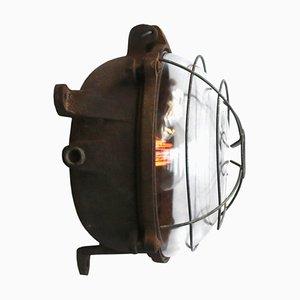Aplique francés industrial de hierro fundido y vidrio, años 50