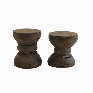 Taburetes de madera antiguos hechos a mano. Juego de 2