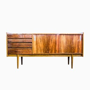 Sideboard aus Nussholz von Bytomskie Furniture Factories, 1960er