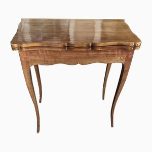 Mesa de juegos antigua de cerezo