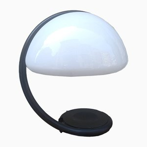 Tischlampe mit Glasschirm & geschwungenem Arm von Elio Martinelli für Martinelli Luce, 1970er