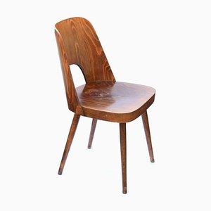 Sedia da pranzo in quercia e compensato di Lubomir Hofman per TON, anni '60