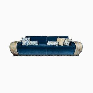 Divano in velluto blu di Slow+Fashion+Design per VGnewtrend