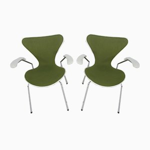 Vintage 3207 Dining Chairs by Arne Jacobsen for Fritz Hansen, 1980s, Set of 2