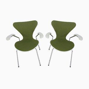 Vintage 3207 Esszimmerstühle von Arne Jacobsen für Fritz Hansen, 1980er, 2er Set