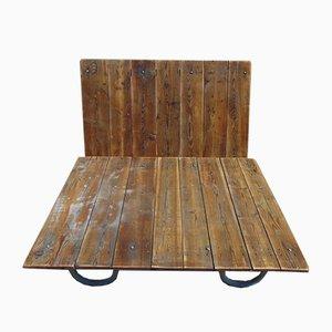 Mesa de centro o plataforma hecha con palé de madera, años 40