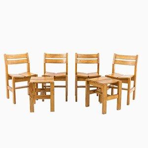 Juego de comedor de pino con cuatro sillas y dos taburetes de Charlotte Perriand, años 60