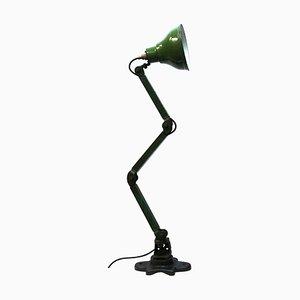 Lámpara de escritorio inglesa industrial vintage de esmalte verde, años 50