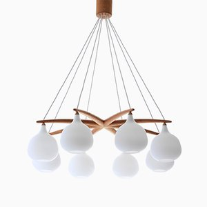 Lámpara de araña Octopus escandinava moderna de roble y vidrio opalino de Uno & Östen Kristiansson para Luxus, años 50