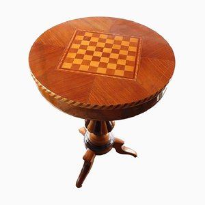 Tavolino con scacchiera antico intarsiato in noce, metà XIX secolo