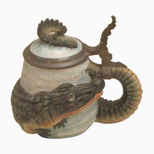 Bierkrug aus Biskuitporzellan mit Krokodil-Motiv, 1950er